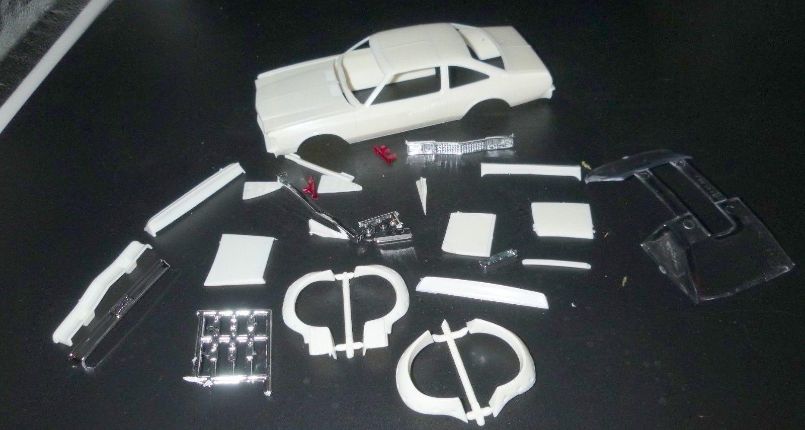 M80PV-D PLYMOUTH VOLARE ROADRUNNER BODY W/DECALS MODEL CAR M